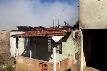 incêndio em residência no Santa Rosália - Jornal da Cidade