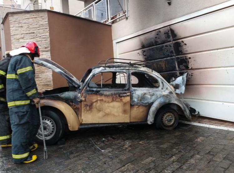 incêndio em carro - Jornal da Cidade