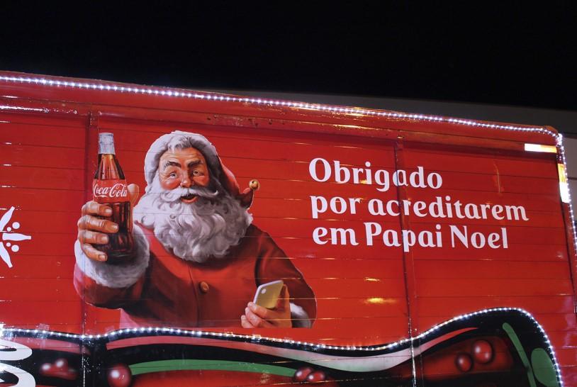 Caravana da Coca-Cola chega a Poços - Jornal da Cidade
