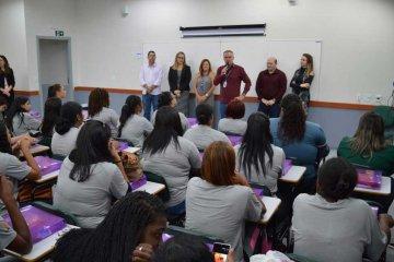 Poços promove mulher - Jornal da Cidade