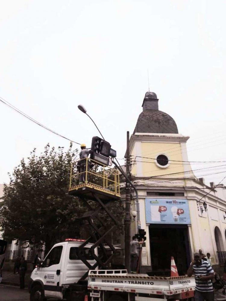 Modernização dos semáforos - Jornal da Cidade