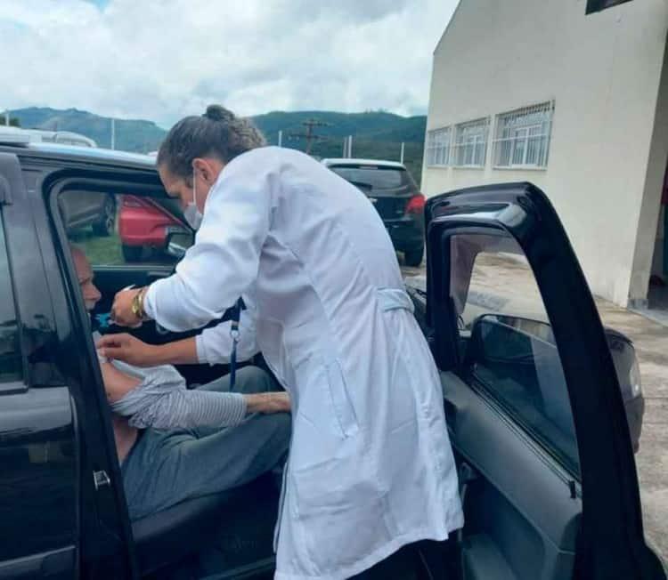 Idosos-de-68-e-69-anos-começam-a-ser-vacinados - Jornal da Cidade